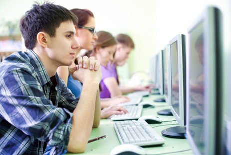 Community Colleges Taking a Serious Look at MOOCs