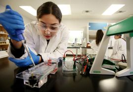 Fewer Women Pursuing STEM Programs at Community College Today