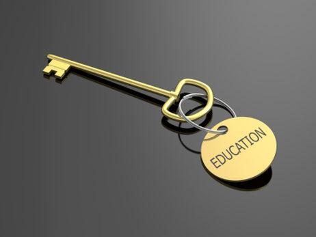 benefits of community college versus university