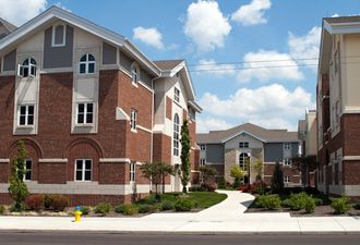 The Pros and Cons of On-Campus Housing for Community College